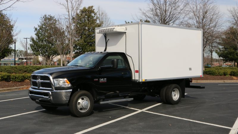 Refrigerated delivery truck trailer