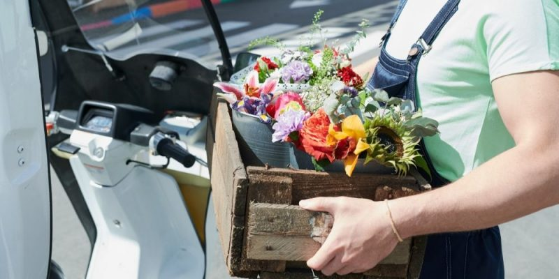 How Florists Can Safely Transport Flowers